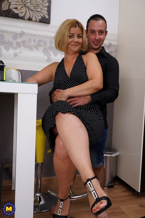 Mature.nl/Mature.eu - Aranka V. (45) - Keep your eyes open for this naughty housewife, who loves having hardcore sex with her lover! (FullHD/1080p/1.26 GB)