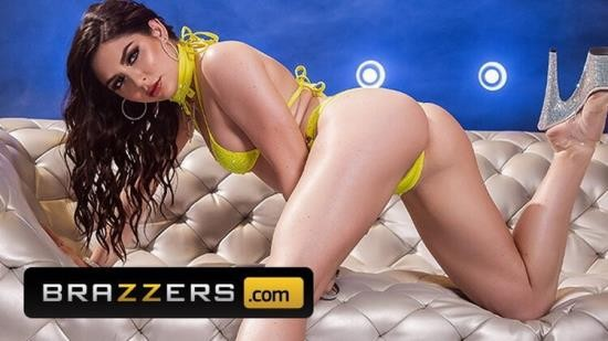 BigWetButts - Keira Croft - Horny Brunette Keira Croft Drilled in the Ass, Squirts on the Couch (FullHD/1080p/519 MB)
