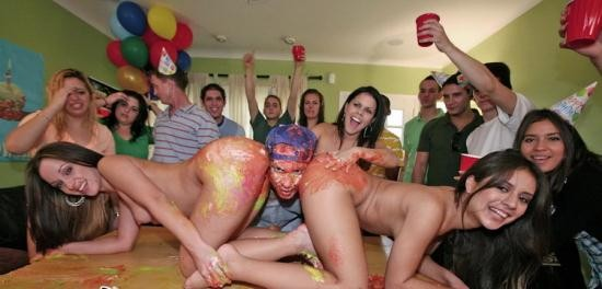 DormInvasion/BangBros - Jada Stevens, Diamond Kitty, Jinx Maze - Dorm Invasion Surprise Party (HD/720p/1004 MB)