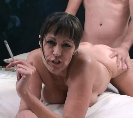 Incezt - Victoria Madison aka Tori Dean - Mom Helps Son With A Problem That Is Just Too Big (HD/720p/594 MB)