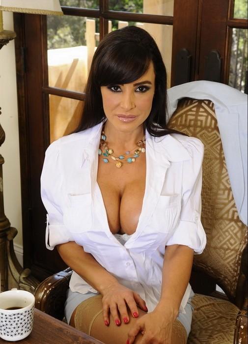 MyFirstSexTeacher/NaughtyAmerica - Lisa Ann - Lisa (HD/720p/575 MB)