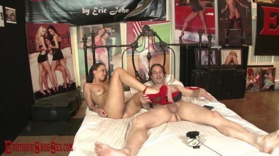 ErotiqueShoeSex - Mia Austin - MIA AUSTINs Red High Heels all over ERIC JOHNs Cock (UltraHD 4K/2160p/534 MB)