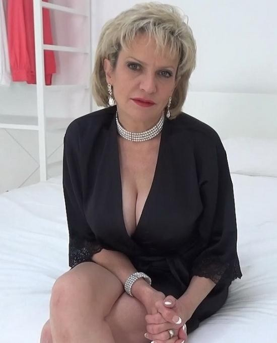 Lady-sonia - Lady Sonia - The Very First Ever Virtual Fuck With Aunt Sonia (FullHD/1080p/226 MB)