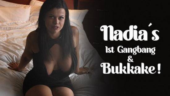 TexxxasBukkake/TexasBukkake/ManyVids - Nadia White - Nadia's 1st Gangbang, Bukkake (FullHD/1080p/2.55 GB)