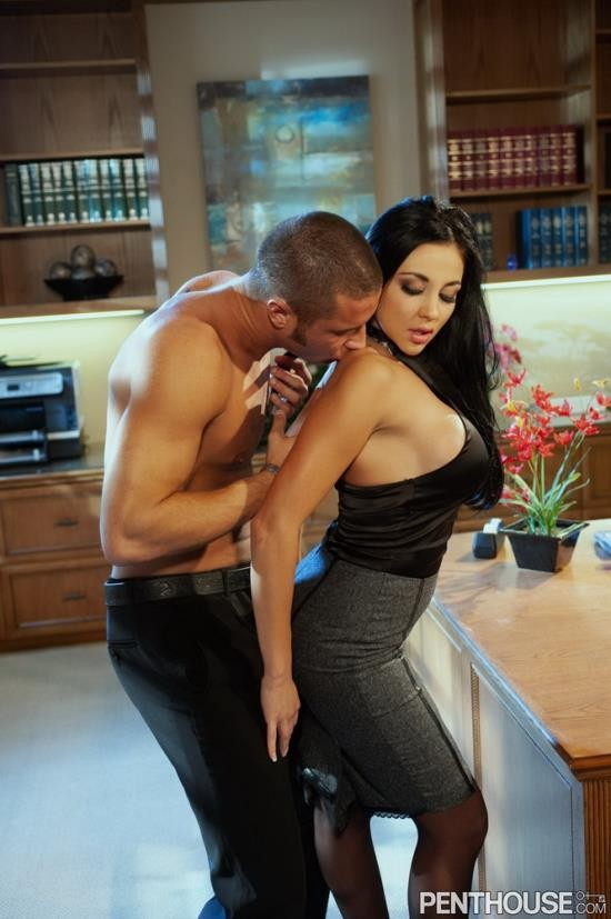 Penthouse - Audrey Bitoni - Booby Trap 4 Overtime Has Its Perks (HD/720p/351 MB)