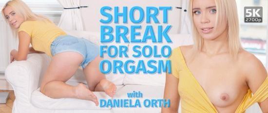 TmwVRnet - Daniela Orth - Short break for solo orgasm (UltraHD/4K/2700p/2.32 GB)