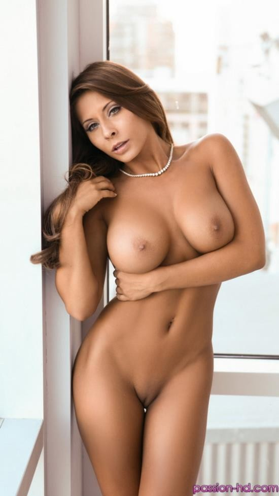 Passion-HD - Madison Ivy - Setting The Table (HD/720p/561 MB)