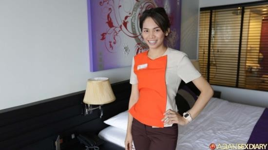 Asiansexdiary - Catrin - Thai Hotel maid gives good MILF treatment (HD/720p/226 MB)