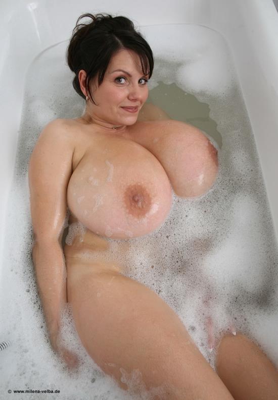 Milena-velba.de - Milena Velba - Bath Tub (HD/720p/722 MB)