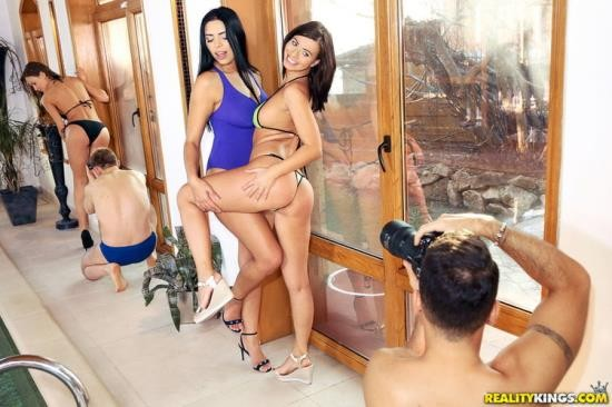 EuroSexParties/RealityKings - Kira Queen, Tina Kay, Vicky Love - Horny Models Pool Party (FullHD/1080p/3.78 GB)