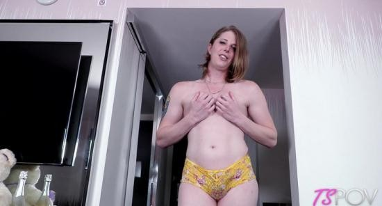 TsPov - Cassie Cummings - Big Booty Newbie Is Here To Take The D (HD/720p/526 MB)