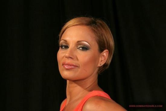 MarcDorcel - Szilvia Lauren - Szilvia Lauren 40 ans et toujours sexy (FullHD/1080p/472 MB)
