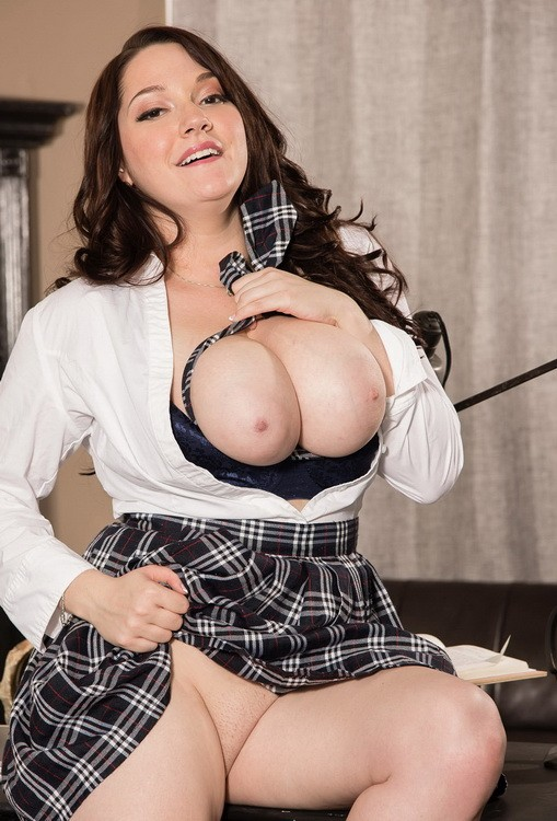 ScoreHD (PornMegaLoad) / Scoreland - Kate Marie - The Stacked Student (FullHD/1080p/757 MB)