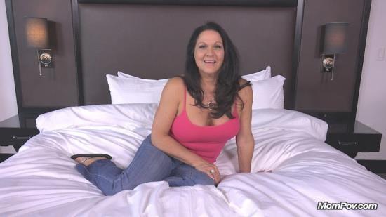 MomPov - Lola - Curvy cougar GILF swinger does first porn (HD/720p/3.10 GB)