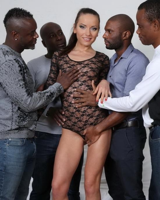 LegalPorno - Nataly Gold - Watch and see how four black guys destroy her ass IV033 (HD/720p/1.74 GB)