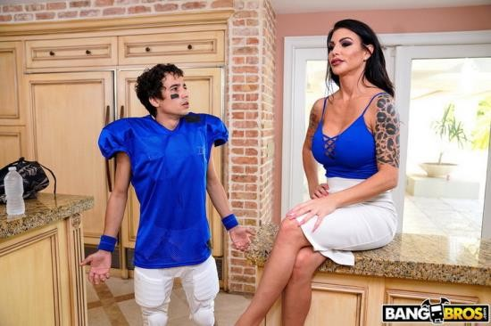 MomIsHorny/BangBros - Melissa Lynn - Lesson With Squirting MILF (SD/480p/281 MB)