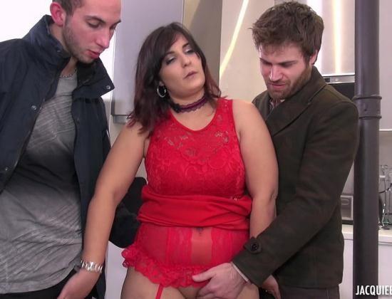 JacquieEtMichelTV/Indecentes-Voisines - Isabelle - Isabelle soumet son mari et s'offre un trio (FullHD/1080p/1.16 GB)