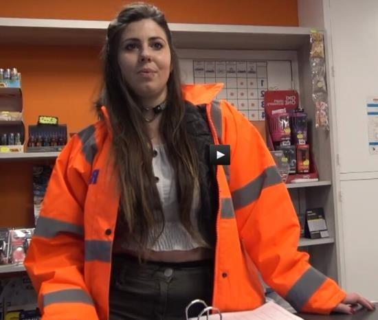 JacquieEtMichelTV/Indecentes-Voisines - Aude - Aude 25 Employee Of A Gas Station In Aubagne (HD/720p/556 MB)