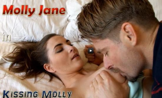 JerkyWives/Clips4Sale - Molly Jane - in Kissing Molly (HD/720p/831 MB)