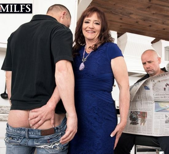 ScoreHD (PornMegaLoad)/50PlusMilfs - Whinny Spice - Look what Whinny brought home! (FullHD/1080p/832 MB)