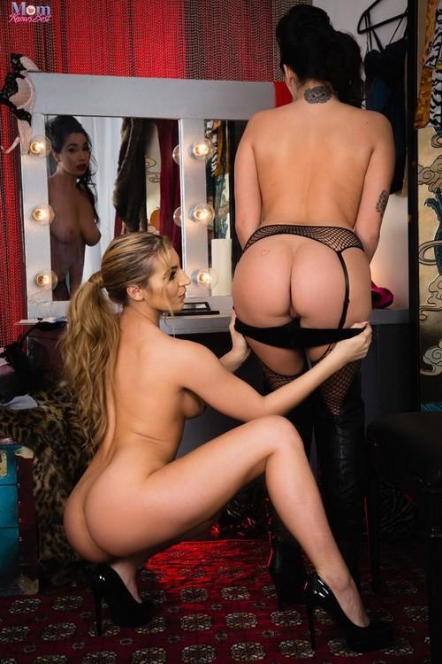 MomKnowsBest/Twistys - Karlee Grey, Moka Mora - Picture Me Naked (FullHD/1080p/1.07 GB)