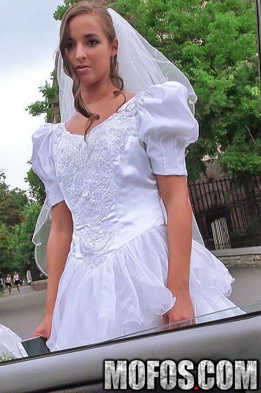 StrandedTeens/Mofos - Amirah Adara - Rejected Bride Bangs Stranger (FullHD/1080p/3.08 GB)
