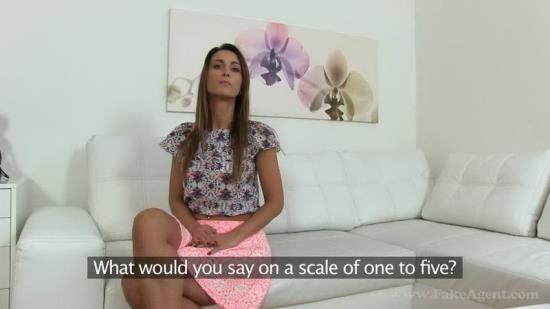 FakeAgent/FakeHub - Simone Style - Slim model fucks for work in casting (HD/720p/873 MB)