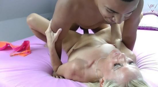 MyDirtyHobby - Dirty-Tina / nassetina6 - Zartlicher Amateur Sex UNCUT XXL – Latino vs. MILF (FullHD/1080p/723 MB)
