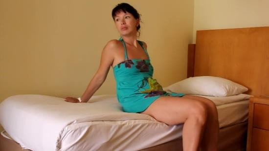 Cam4 - Sharon - Rest at the hotel (HD/720p/134 MB)