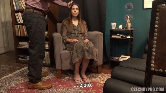 CzechHypno/CzechAV - Jessica Bell - Kojici mamina Simona (FullHD/1080p/774 MB)