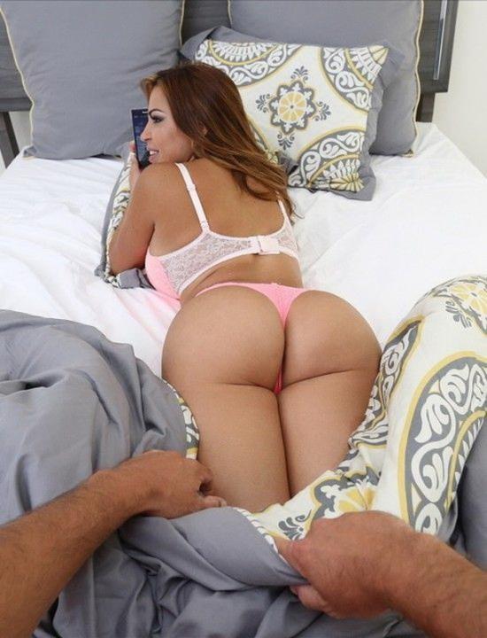 BangPOV/BangBros - Julianna Vega - Experience Julianna Vega riding your cock! (FullHD/1080p/1.23 GB)
