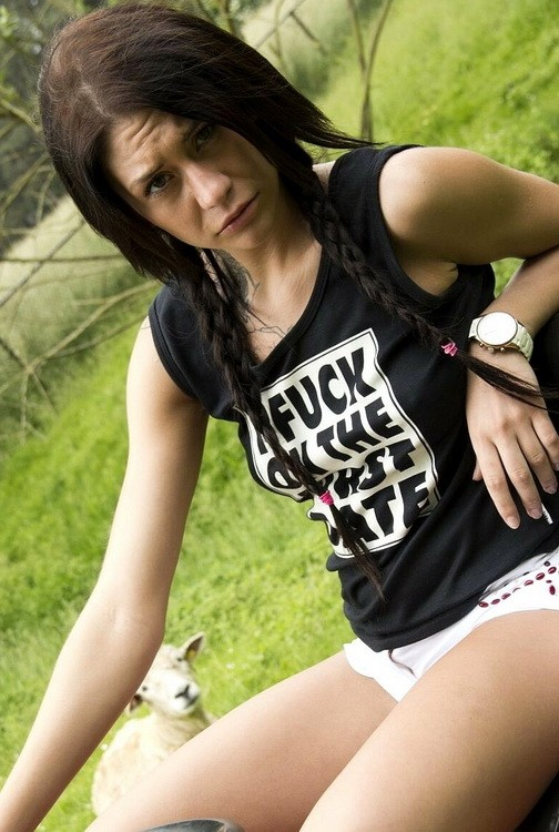 Oldje/ClassMedia - Erika Bellucci - Hardcore (HD/720p/599 MB)