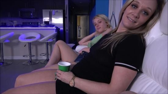 Family Therapy/Clips4Sale - Dixie Lynn, Tucker Stevens - Sisters Invite Brother to House Warming Party (FullHD/1080p/2.28 GB)