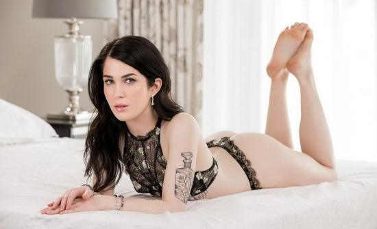 Blacked - Evelyn Claire - Room For One More (HD/720p/2.48 GB)