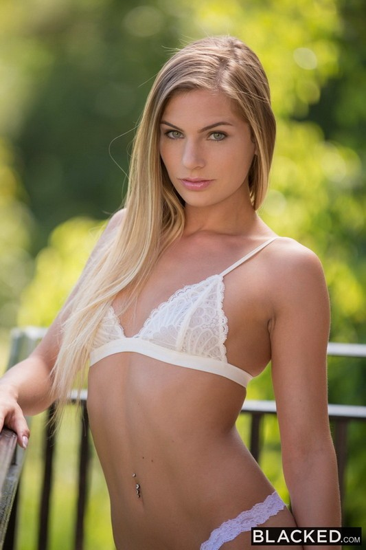 Blacked - Sydney Cole - Blonde Teen Experience with Two Hot Black Men (FullHD/1080p/2.98 GB)