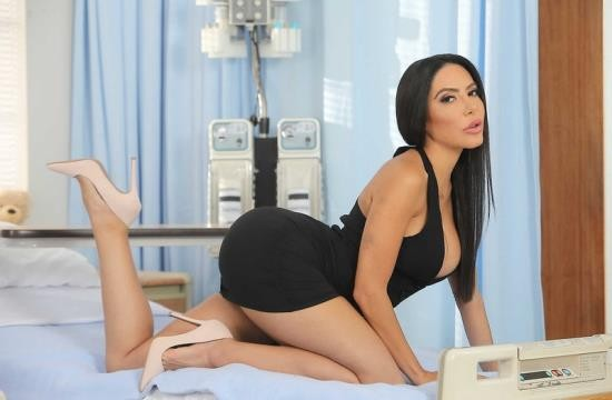 DoctorAdventures/Brazzers - Lela Star - Sex Hospital (FullHD/1080p/1.57 GB)