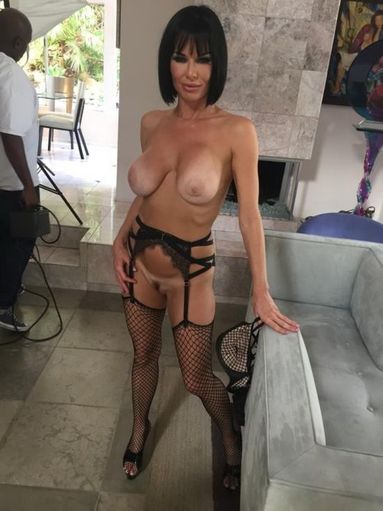 Analized - Veronica Avluv - Veronica Avluvs Ass is Double Fucked (HD/720p/2.80 GB)
