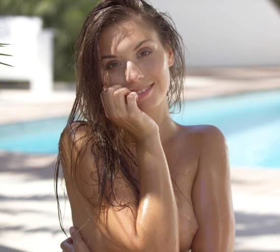 WowGirls - Sabrisse - Pool Party For One (FullHD/1080p/1.07 GB)