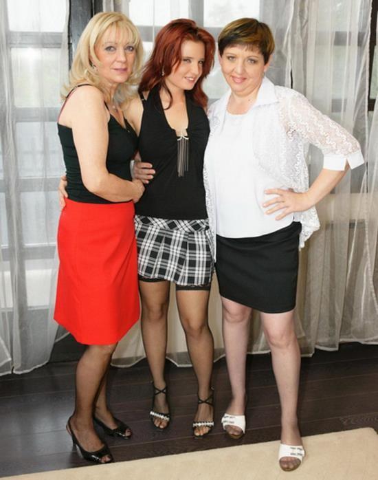 Old-and-Young-Lesbians/Mature.nl - Elvire(44), Eleanor(61), Lora(20) - 035 Lesbian-Alex82.wmv (HD/720p/1.10 GB)