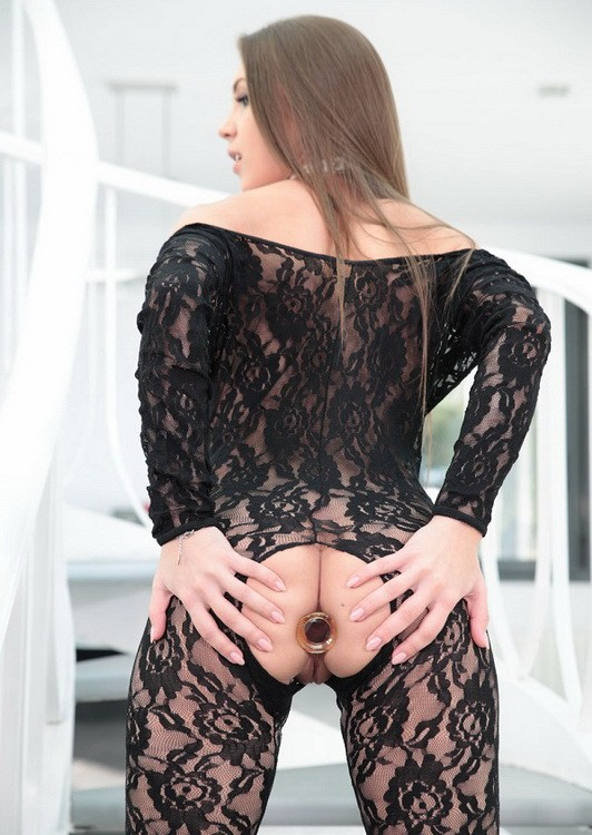 Holed - Veronika Clark - Analed In Lace (HD/720p/1.23 GB)