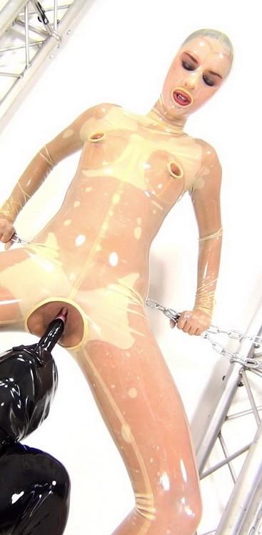 NastyRubberGirls - Unknown - video 0049 (HD/720p/546 MB)