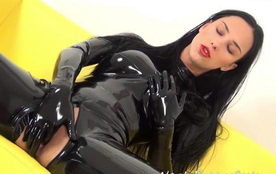 NastyRubberGirls - Unknown - video 0025 (HD/720p/758 MB)