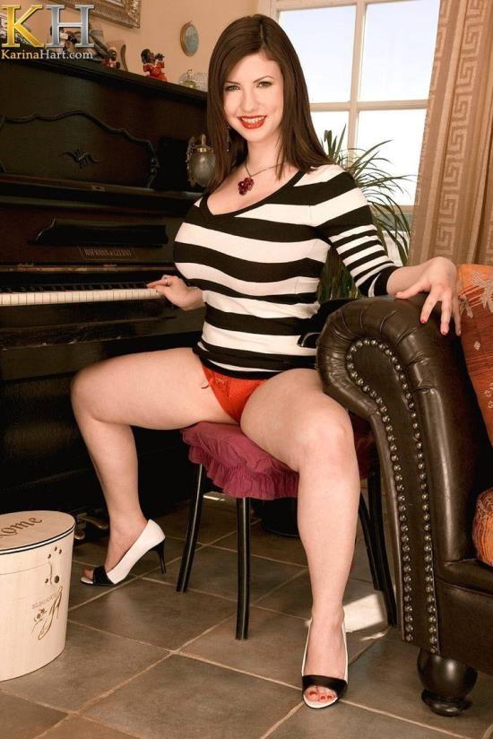 KarinaHart - Karina Hart - Please shoot off on the piano player (HD/720p/358 MB)