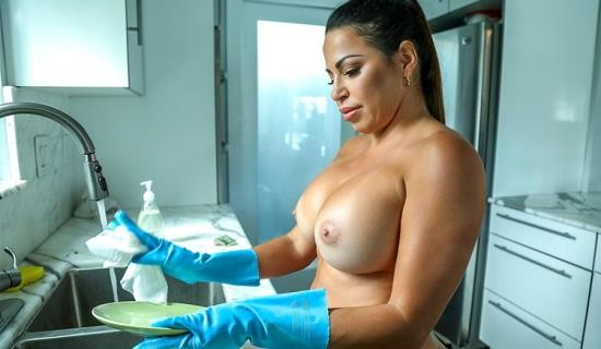 MyDirtyMaid/BangBros - Julianna Vega - Cleaning Up The House And The Hard Cock (SD/480p/615 MB)