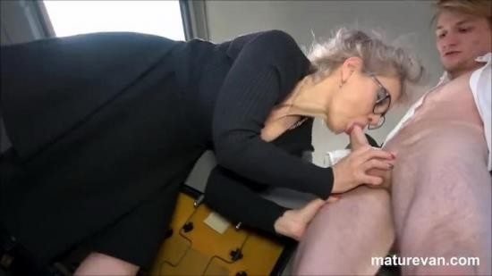 MatureVan - Unknown - Hot granny wants young cock (FullHD/1080p/664 MB)