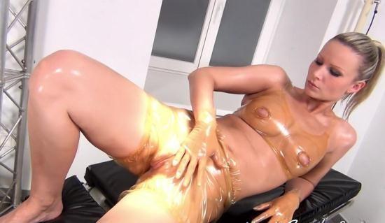 NastyRubberGirls - Unknown - video 0004 (HD/720p/575 MB)