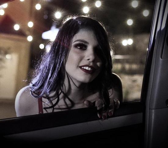 PureTaboo - Gina Valentina - The Sting (FullHD/1080p/1.94 GB)