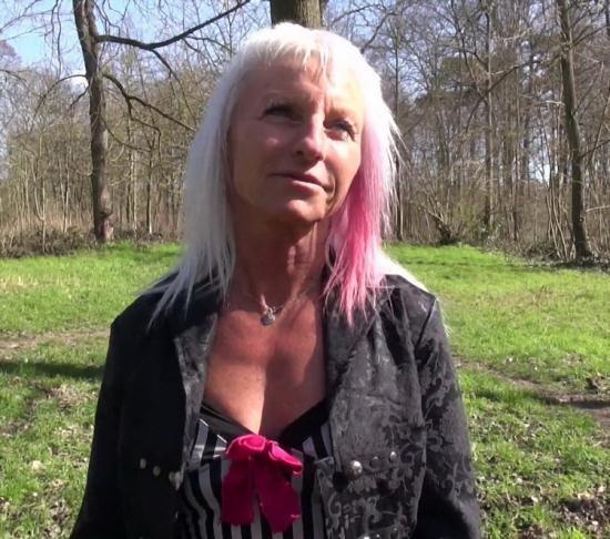 JacquieEtMichelTV/Indecentes-Voisines - Maude - Les jeux de Maude au Bois de Boulogne (FullHD/1080p/1.15 GB)