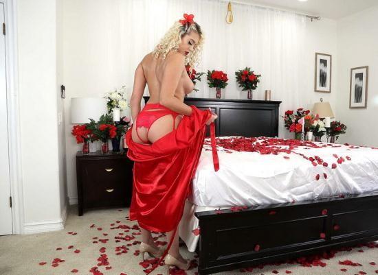 BabyGotBoobs/Brazzers - Athena Palomino - Risque Roses (HD/720p/820 MB)