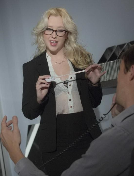 Babes - Samantha Rone - Tailor made (FullHD/1080p/1.11 GB)
